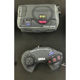 SEGA mega drive porte monnais , mini cousin , sacoche rangement ds / game boy / game gear