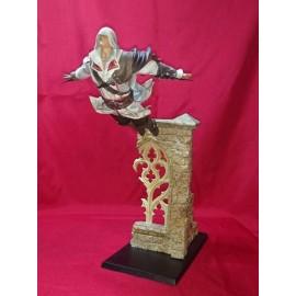 ASSASSIN'S CREED - Figurine Ezio Saut de la Foi 39 cm