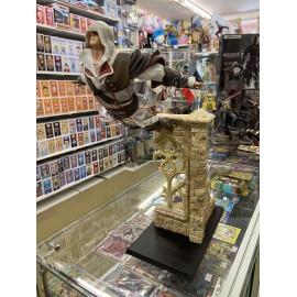 ASSASSIN'S CREED - Figurine Ezio Saut de la Foi 39 cm boite